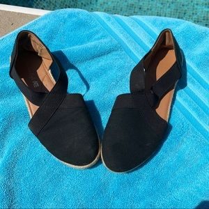AE By Payless Black Espadrillas